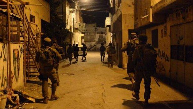 إصابات واعتقالات في حملة دهم صهيونية بالضفة الغربية المحتلة