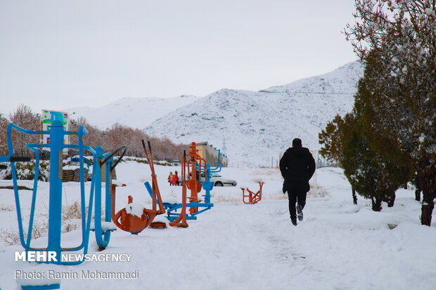 Zanjan witnesses season's first snowfall
