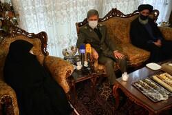 حضور وزیر دفاع در منزل شهید فخری زاده