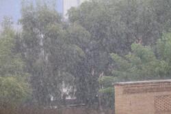 احتمال بارش رگباری و گرد و خاک در اصفهان/ دما تغییر محسوسی ندارد