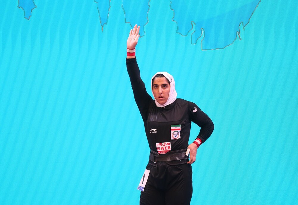 Woman weightlifter Hosseini undergoes surgery