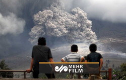 VIDEO: Thousands evacuated as volcano erupted in Indonesia
