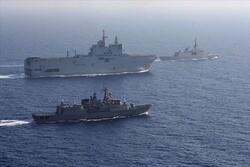 Rus savaş gemilerinden Akdeniz'de hava savunma tatbikatı