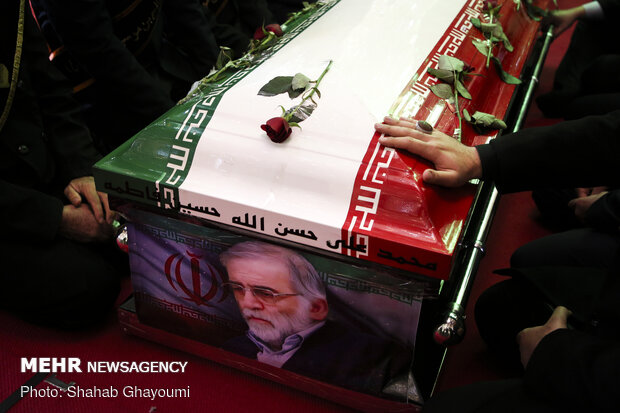 آیین خاکسپاری دانشمند شهید محسن فخری زاده
