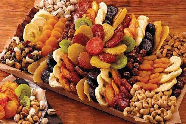 میوه را جایگزین شیرینی و شکلات کنید/خطر قند و چربی اضافی