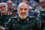 الحرس الثوري مستعد لمواصلة العمل مع الحكومة لخدمة الشعب