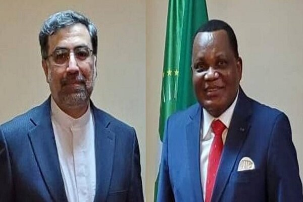 Iranian envoy submits credentials to FM of Congo