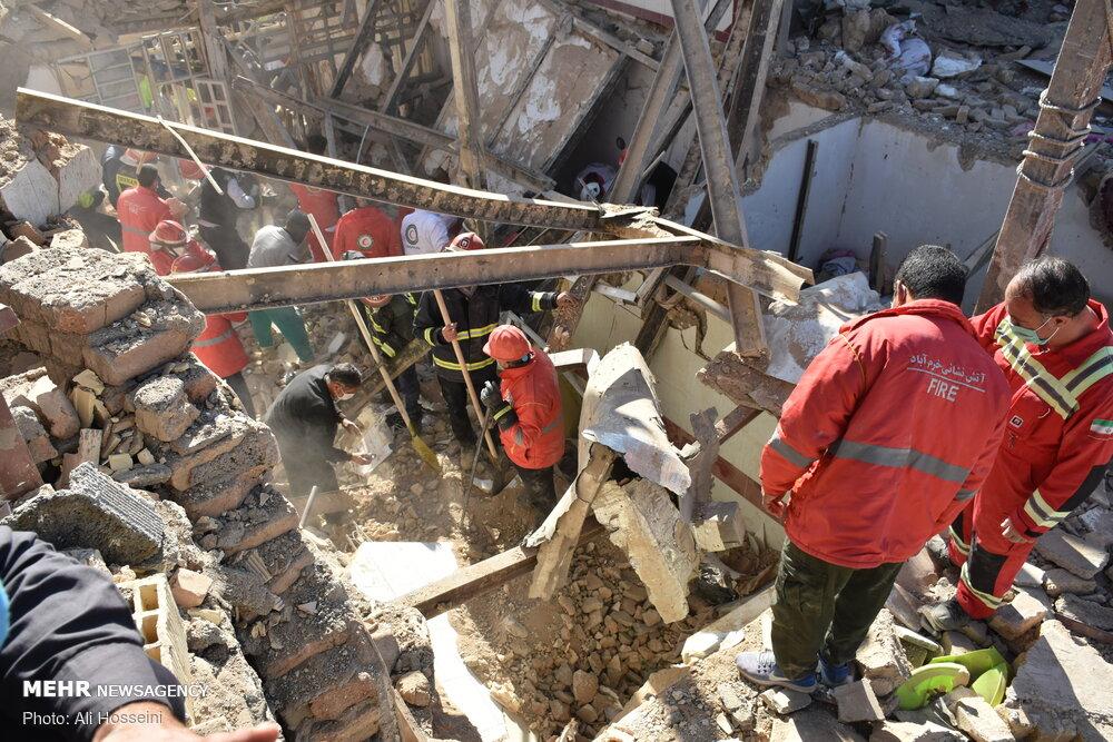 جسد دومین فوتی حادثه خرمآباد پیدا شد/ خسارت به ۱۹ منزل و ۹ خودرو