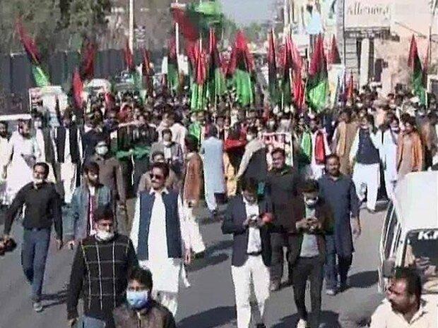 پاکستانی حکومت نے پی ڈی ایم کے جلسے میں شریک 3 ہزار افراد کے خلاف مقدمہ درج کرلیا