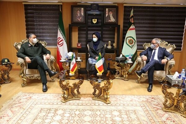 Iranian, Italian anti-narcotic polices discuss boosting coop.