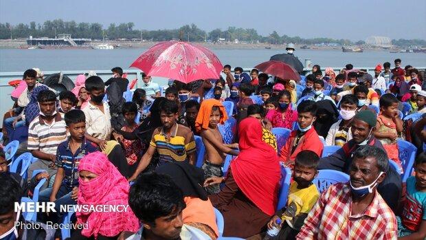 """نقل 1600 لاجئ من مسلمي الروهينغا إلى """"جزيرة الكوارث"""""""