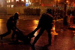 """أعمال عنف خلال تظاهرة في باريس ضد قانون """"الأمن الشامل"""""""