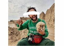 ساخت پازل از اسکلت باستانی توسط بلاگرهای گردشگری!
