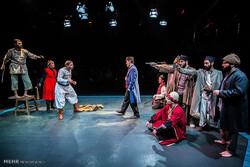 اجرای نمایشهای «مَلی» و «کافه سایه» در جشنواره تئاتر استان همدان