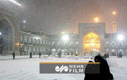 حرم رضوی میں بارش اور برف باری کے شاندار مناظر