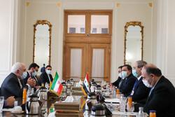 ظريف يبحث مع نظيره السوري القضايا الإقليمية والدولية ذات الاهتمام المشترك