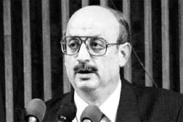 Türkiye'de eski bakan koronavirüsten hayatını kaybetti