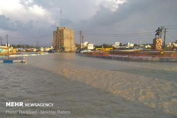 بارش باران و جاری شدن سیل در خیابانهای شهر جدید سهند