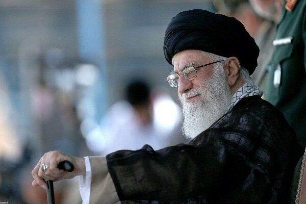 """قائد الثورة السيد """"علي الخامنئي""""يقوم بتنفيذ برامجه وخططه بنشاط كبير وفقاًللروتين المعتاد"""