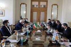 Zarif'in Azeri mevkidaşı ile görüşmesinden görüntüler