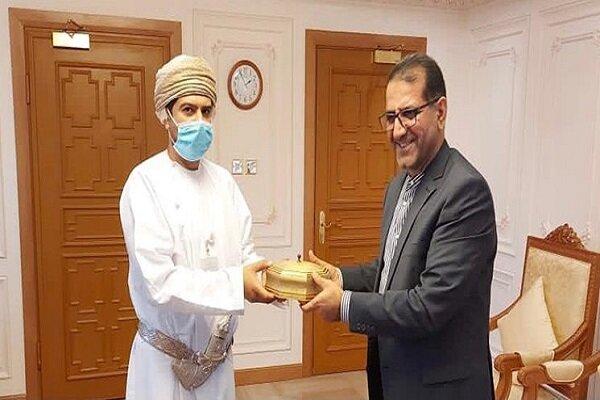 Iran, Oman discuss trade, economic coop.