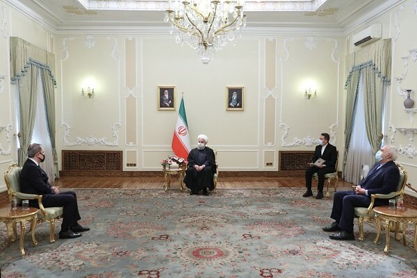 Ruhani: Karabağ'ın yeniden inşası için yardıma hazırız