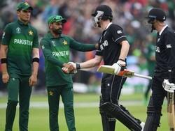 ویسٹ انڈیز نے پاکستان کو ایک وکٹ سے شکست دے دی