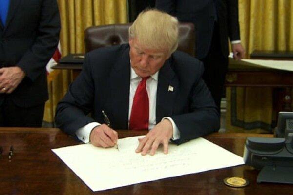 Trump, geçici federal kapanmayı önleyen imzayı attı