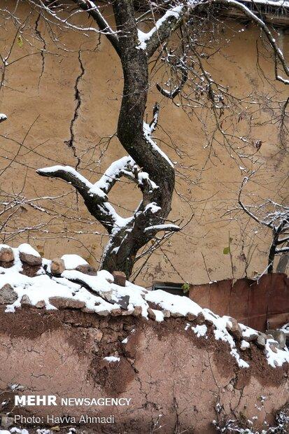 Autumn snow falls in Veresk, north Iran
