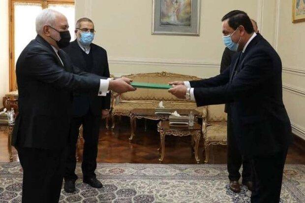 Syrian envoy submits credentials to FM Zarif