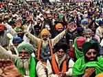 بھارت میں کسانوں کی مودی سرکار کے خلاف ٹریکٹروں پر 26 جنوری کو دہلی پہنچنے کی تیاریاں