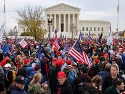 ٹرمپ کے حامیوں کا امریکی سپریم کورٹ کے سامنے احتجاج