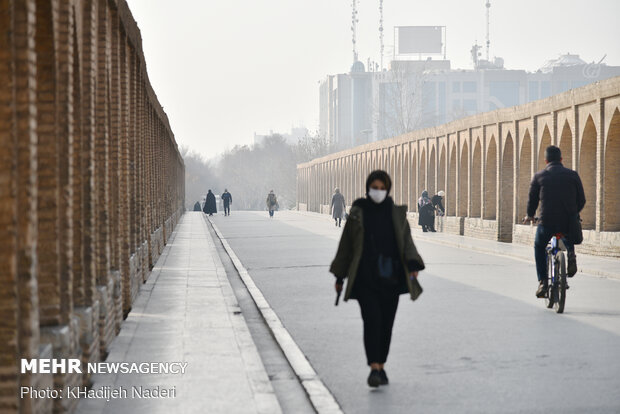 کیفیت هوا در ۹ نقطه اصفهان نارنجی و در ۲ نقطه قرمز است