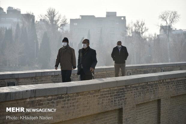 بازگشت آلایندهها به آسمان اصفهان / هوا ۴ درجه سردتر میشود