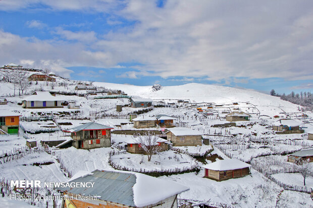 Charming scenery of autumn snow in Asalem to Khalkhal road