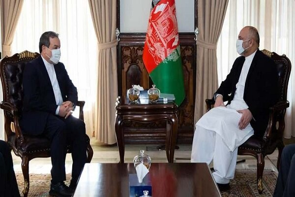 Araghchi meets with Afghan FM to discuss bilateral ties