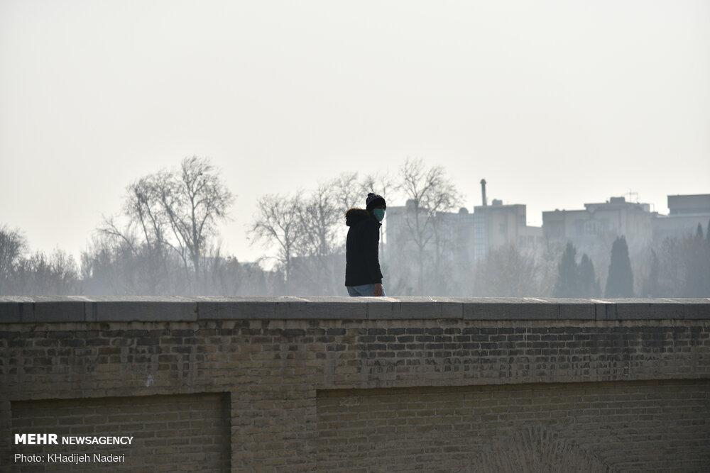 سومین روز متوالی وضعیت قرمز برای هوای اصفهان/ شاخص کیفی ۱۶۶