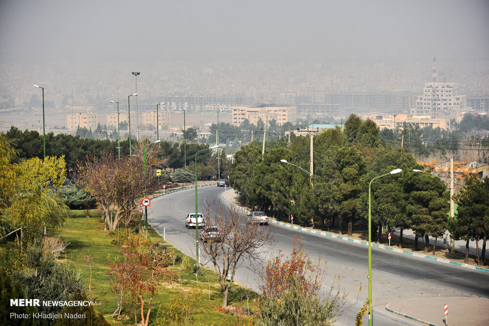 شاخص هوای اصفهان در ۸ منطقه بنفش و نارنجی است