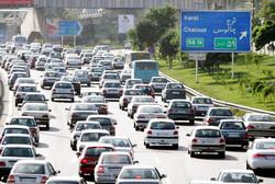 ترافیک سنگین در محورهای چالوس هراز و فیروزکوه و آزادراه کرج-قزوین