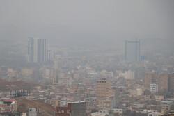 شهرهای ساوه و اراک همچنان از آلودگی هوا رنج می برند
