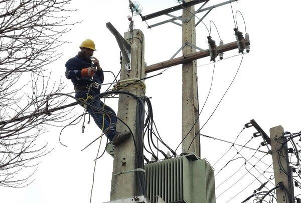 تجهیز ۱۳۰ کیلومتر شبکه توزیع برق اراک به کابل خودنگهدار