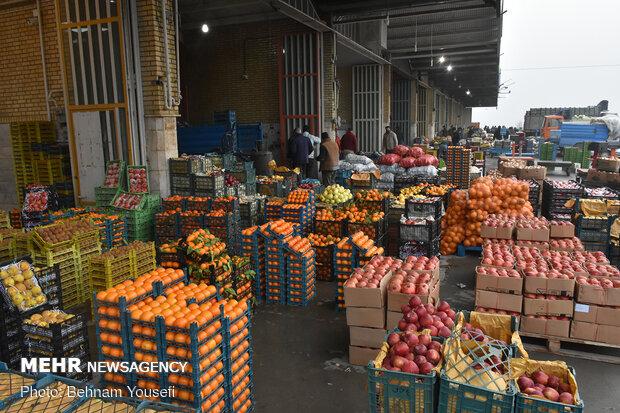 ردپای اتباع خارجی در بازار میوه کرمان/ واسطهها عامل گرانی