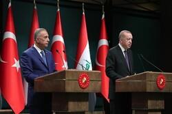 الكاظمي يعود الى بغداد بعد زيارته الى تركيا