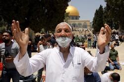 Binlerce Filistinli Cuma namazını Mescidi Aksa'da eda etti