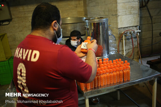 تولید و توزیع آبمیوه برای بیماران کرونایی