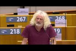 انتقاد یک نماینده پارلمان اروپا از همراهی بروکسل با جنایات آمریکا و اسرائیل در سوریه