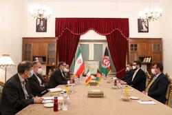 شمخاني يبحث مع مستشار الامن الوطني الافغاني القضايا الثنائية