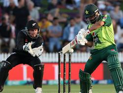 پاکستان نے جنوبی افریقہ کو 3 وکٹ سے شکست دے دی