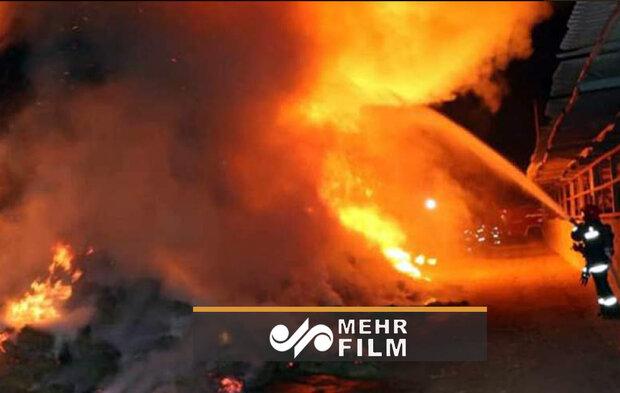 آتش سوزی در ساختمانی تجاری درشمال هالیوود آمریکا