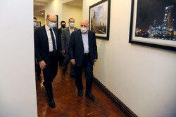 Iran's Zanganeh meets with Azerbaijani energy min.